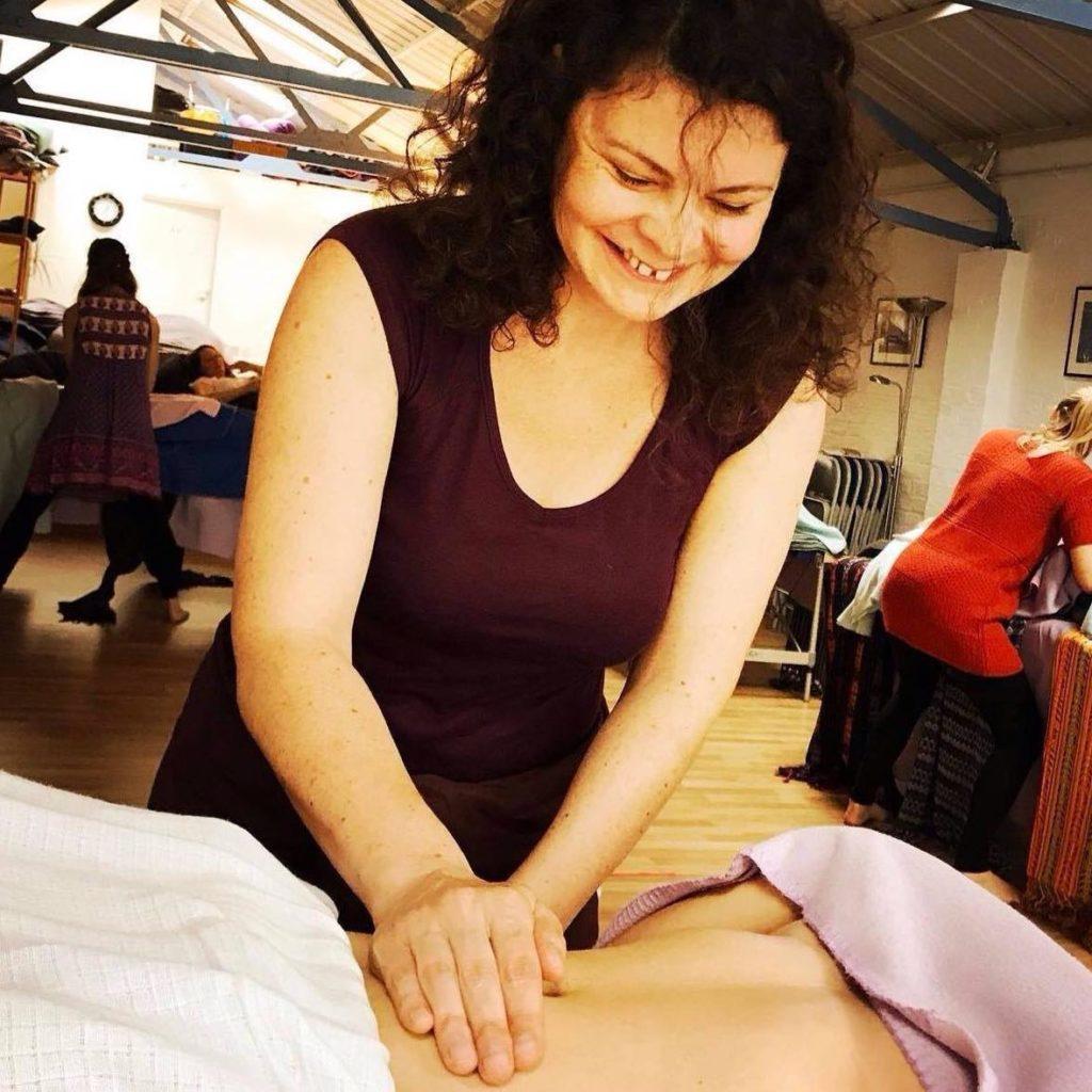 valerie-schraauwers-therapeute-massage-bien-être-féminin